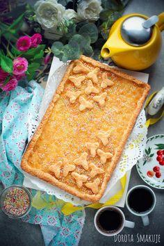 Wielkanocny Mazurek z jabłkami #Easter #cake with #apples Easter Cake, Bread, Apples, Food, Brot, Essen, Baking, Meals, Breads