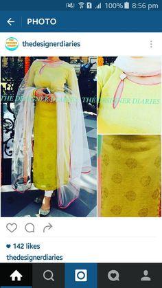 simple yet gorgeous. Churidar Designs, Kurti Neck Designs, Dress Neck Designs, Blouse Designs, Salwar Pattern, Kurta Patterns, Dress Patterns, Indian Attire, Indian Wear
