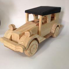 carro-de-madeira-jardineira-capota-preta-carro-antigo-de-madeira.jpg (2448×2448)