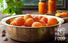 Абрикосово-имбирный конфитюр! http://handmadefood.ru/recipes/abrikosovo-imbirnyy-konfityur