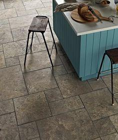 Aurelius™ Silver Tumbled Modular Travertine Tile