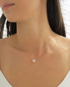 Purchase of this item plants 4 trees Brand: EMERY+OPAL Rose Gold Filled Snowflake Necklace with Cubic Zirconias. We love how sparkly this piece is. The perfect snowflake necklace for winter… Daha fazlası Dainty Diamond Necklace, 14k Gold Necklace, Simple Necklace, Diamond Pendant, Silver Necklaces, Jewelry Necklaces, Silver Jewelry, Silver Earrings, Pretty Necklaces