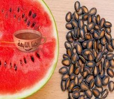 Watermelon seeds are packed with an array of vitamins and minerals. The health benefits of watermelon seeds include preventing heart damage, improving male fertility, strengthening immunity, etc. Benefits Of Watermelon Seeds, Pantothenic Acid, Raw Food Recipes, Healthy Recipes, Natural Health, Creme, Natural Remedies, Vitamins, Fruit