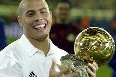 2002: RONALDO--------BRASIL