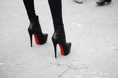 Hot High Heels - Secrets of stylish women