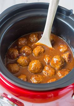 Sweet and Spicy Slow Cooker Cocktail Meatballs Recipe - (Crock Pot Meatballs) Party Food Meatballs, Cocktail Meatballs, Crock Pot Meatballs, Meatballs 2, Slow Cooking, Bowls, Chia, Nutrition, Healthy Crockpot Recipes