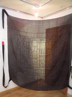 서울 종로구 운니동에 소재한 운현궁내 기획전시실에서는 서울시가 주최하고 한국의 장 주관으로 2011년 5월 2일 부터 5월 22일까지 쌈지사랑 규방공예 연구소 회원들의 다시 태어난 유물 조각보展 (Artifacts born again! Wrapping cloth exhibition)이 열리고 있다.                   이번 전시는 전통보자기 총 30여점으로 옛 여인들의 섬세한 구성과 디자인에 21세기 감각이 더해져 새롭게 재탄생한 작품들을 통해 옛 선인들의 근검절약 정신과 ...