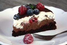 Čokoládová torta s mascarpone a ovocím - recept - My site Baking Recipes, Cookie Recipes, Dessert Recipes, Sweet Desserts, Sweet Recipes, Czech Recipes, Mini Cheesecakes, Fudge Cake, Sweet Cakes