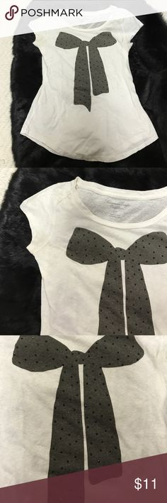 American Eagle black bow shirt White t-shirt from American Eagle with a black bow on the front. Bow has sparkly black gemstones. Very soft material. Size small American Eagle Outfitters Tops Tees - Short Sleeve