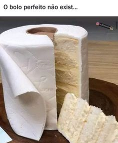 A fine selection of funny memes and pics to help you get through the day. And if you can't get enough memes, there is always more meme to go around. Toilet Paper Cake, Toilet Paper Humor, Gateau Baby Shower, Biba Magazine, Un Cake, Ombre Cake, Food Themes, Creative Cakes, Creative Ideas