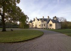 This estate in Sutherland will definitely have enough space for even the largest family!