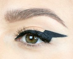 This look is electric! Just prepare yourself for all the attention this eye will attract. #OopsLiner