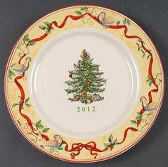 Spode, Christmas Tree (Green Trim) - Page 7 Hutch Display, Spode Christmas Tree, Dinner Ware, Decorative Plates, China, Holiday Decor, Tableware, Glass, Pretty