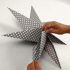 Stars made of square paper with 7 points DIY instructions- Sterne aus quadratischem Papier mit 7 Zacken Origami Diy, Paper Crafts Origami, Origami Stars, Diy Paper, Origami Design, 3d Paper Star, Paper Stars, Christmas Origami, Christmas Crafts