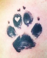 Hundepfote mit Herz drin <3