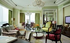 Step into our world of refined luxury and pamper yourself with the bespoke elegance of our suites.