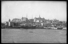 Quartier Vieux-Québec-Basse-Ville - Pointe à Carcy / Fred C. Würtele . - 1897 Vue prise sur l'eau à l'embouchure de la rivière Saint-Charles, un panorama de l'édifice de la Douane, l'université Laval...