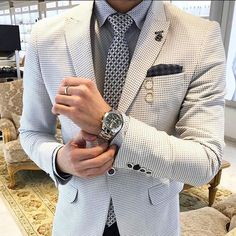 ♛ . . . . . . [ #masculino ] [ #moda ] [ #modahombre ] [ #moda2018 ] [ #malemodel ] [ #guys ] [ #fashionista ] [ #modahombres ] [ #modaurbana ] [ #tendencias ] [ #repost ] [ #corbata ] [ #traje ] [ #camisa ] [ #suit ] [ #tie ] [ #gentlemen ] [ #businessman ] [ #fashion ][ #Urbanstyle ] [ #fashionrd ] [ #modaparahomens ] [ #modard ] [ #amazonseller ] [ #caballero ] [ #menswear ] [ #mensstyle ] [ #nyc ] [ #menssuits ] [ #mensfashion ]