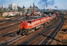 RailPictures.Net Photo: NH 305 New York, New Haven & Hartford Railroad E-33 at New Haven, Connecticut by The General