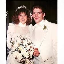 Gil & Kelly Jo Bates - got married on December 1987 they have 19 children together 9 boys and 10 girls and their family keeps on growing with grand babies! Kelly Bates, Whitney Bates, Josie Bates, Carlin Bates, Katie Jackson, Wedding Bells, Wedding Day, Duggar Wedding, Dugger Family