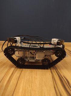 Projekt został wykonany w ramach kursu MECHATRONIKA prowadzonego na Akademii Górniczo-Hutniczej im. Stanisława Staszica w Krakowie. Robot, Robots