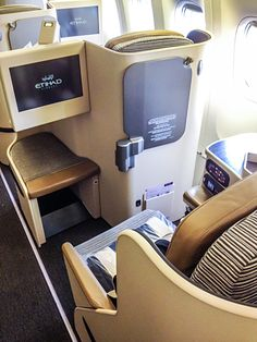 Etihad Pearl Business Class Seat and IFE on B777-300ER