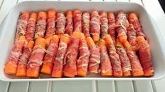 Foto: Sara B. Hansen. D isse lækre gulerødder er et fantastisk tilbehør som er lidt anderledes end hvad man ofte ender med at servere ti... Danish Food, Vegetable Dishes, Grilling Recipes, Finger Foods, Low Carb Recipes, Side Dishes, Food And Drink, Snacks, Dinner