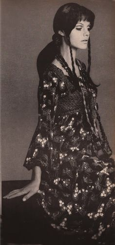 devodotcom: THE 70S - BOHEMIAN CHIC  Tina Aumont in Missoni