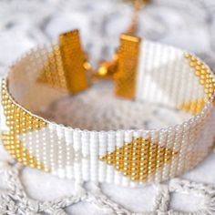 Bead loom bracelet, diamond pattern , argyle pattern czech glass bead bracelet, white, gold, wide cuff bracelet, golden apple charm