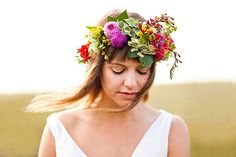 The Real Flower Petal Confetti Co Predicts 13 Wedding Trends for 2013 Flower Crown Hairstyle, Crown Hairstyles, Wedding Hairstyles, Hairstyle Ideas, Bridal Flowers, Flower Bouquet Wedding, Flowers In Hair, Casco Floral, Floral Crown Wedding
