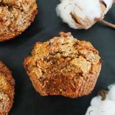 Carrot cake muffins sains au sucre des fruits – (avc un zéro) Carrot Cake healthy. The recipe without butter, flour and sugar from the sweet and delicious carrot cake from – MailoFaitMaison. Healthy Carrot Muffins, Carrot Cake Muffins, Best Carrot Cake, Super Healthy Recipes, Sweet Recipes, Cake Recipes, Dessert Recipes, Healthy Snacks, Muffins Sains