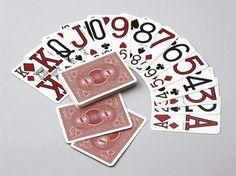 Jeu de cartes à gros caractères pour malvoyants