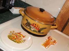 Merry Mushroom Pot, Mushroom Burner Cover and Lucite Fern Spoon Holder