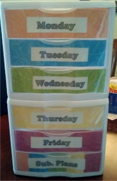 Teach Junkie: 21 Classroom Organization Labels and Tags - Days of the Week Drawers - Great classroom organization and management design! Classroom Organization Labels, Organizing Labels, Organization And Management, School Organization, Classroom Management, Classroom Labels Free, New Classroom, Kindergarten Classroom, Classroom Ideas