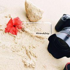 Um #bomdia cheio de exclusividade ao lado da nossa case personalizada!  Nela você pode colocar qualquer nome (até 12 caracteres). Vale usar a criatividade!  [DISPONÍVEL PARA TODOS OS IPHONES GALAXY E MOTO G]  #gocasebr #instagood #iphonecase #photo #beach #tailandia #flower #amogocase