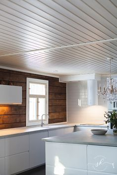 Kitchen Renovation Inspiration, Kitchen Renovation Design, Small Kitchen Renovations, Kitchen Remodel, Scandinavian Cottage, Country Interior, Cottage Interiors, House In The Woods, Log Homes