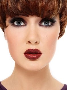 How to Apply Classy Makeup Ideas? >> http://cutemakeupideass.com/makeup-ideas/classy-makeup-ideas/