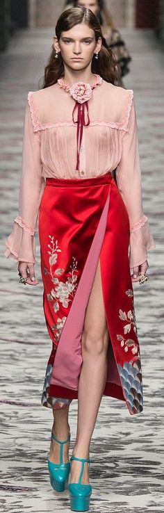GUCCI READY-TO-WEAR SPRING-SUMMER 2016 Skirt is FABULOUS!