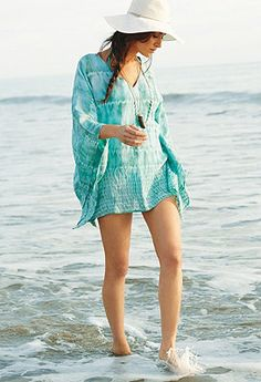 In this gorgeous cover up you will feel comfortable and glamourous all day on the beach.