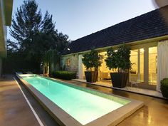 A House With Emphasized Privacy_image