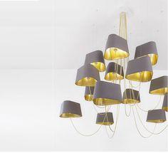 Un lustre de grande taille pour tous vos projets et grandes hauteurs sous plafonds. La collection Nuage du designer Français Hervé LANGLAIS est un concept...