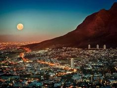Full moon over Cape Town city bowl - Table Mountain at the right - South Africa Lonely Planet, Cape Town South Africa, South Korea, Table Mountain, Sky Mountain, Belle Villa, Ultimate Travel, Africa Travel, Places To See
