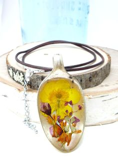 Real Buttercup Necklace, Pressed Flowers In Resin, Spoon Pendant, Botanical Jewelry, Wildflower Necklace, Gift For Gardeners, clover pendant