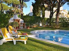 Casa para 10 personas con piscina y jardín, cerca del golf y de la playa en Vilamoura, Algarve, Portugal.