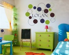I saw this done with squares too, i Love it. I might have to do this in Quin's room :)