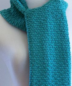 Easy Knitting Pattern Blue Scarf - Easy four row repeat, suitable to knitters familiar with knit, purl, and, slip stitches. Easy Scarf Knitting Patterns, Knitting Stitches, Knit Patterns, Free Knitting, Pretty Patterns, Baby Knitting, Stitch Patterns, Knitting For Beginners, Knitting Projects
