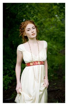 v-neck gown embroidered belt by rebecca schoneveld copy.jpg