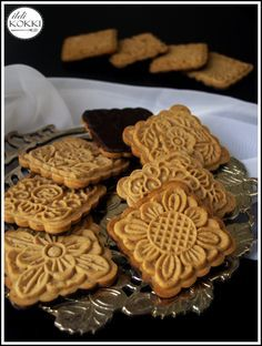 ildi KOKKI : Mézes keksz (Mese keksz házilag) No Salt Recipes, Candy Recipes, Sweet Recipes, Cookie Recipes, Snack Recipes, Dessert Recipes, Snacks, Hungarian Recipes, Bakery Recipes
