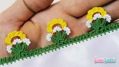 This Pin was discovered by Jal Crochet Flower Tutorial, Crochet Lace Edging, Crochet Borders, Crochet Flower Patterns, Baby Knitting Patterns, Crochet Designs, Crochet Flowers, Crochet Stitches, Knit Crochet