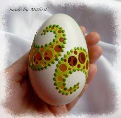 Fler BLOG | Mithril-art / Jak se rodí kraslice Egg Crafts, Diy And Crafts, Carved Eggs, Easter Egg Dye, Egg Art, Egg Decorating, Painted Rocks, Carving, Sculpture